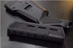Magpul 870 handguard and stock set  with fine stripping